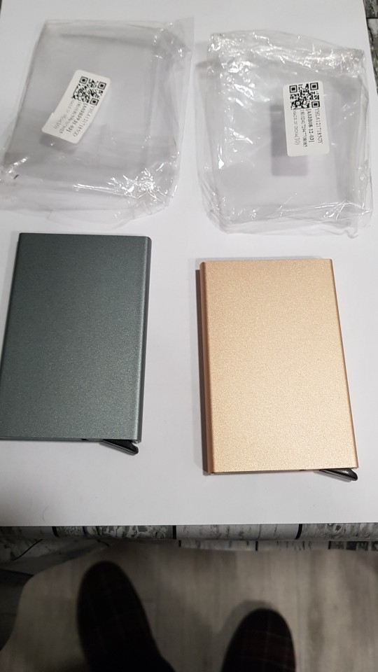 2019 New fashion Bank Credit Card Package Card Holder Business Card Case gift card box Aluminum alloy porte carte bancaire photo review