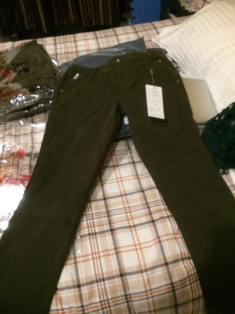 Free Army 2015 Brand New Fashion European Style Women Pants Plus Size Metal Rivets Feet Pants Leggings Pantalones GK-9385A