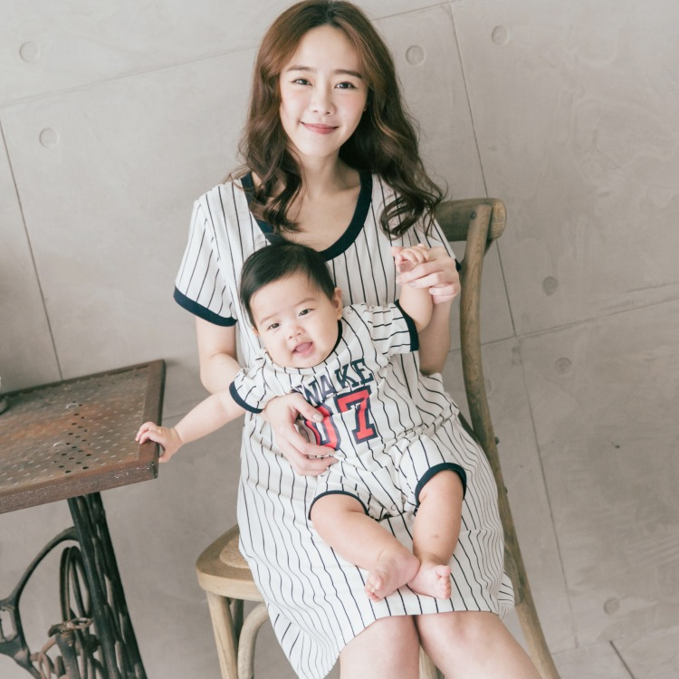 Family Matching Outfits Pregnant Dress Mother and Newborn Clothes Breastfeeding clothes Nursing Women Dresses +Infant Jumpsuits