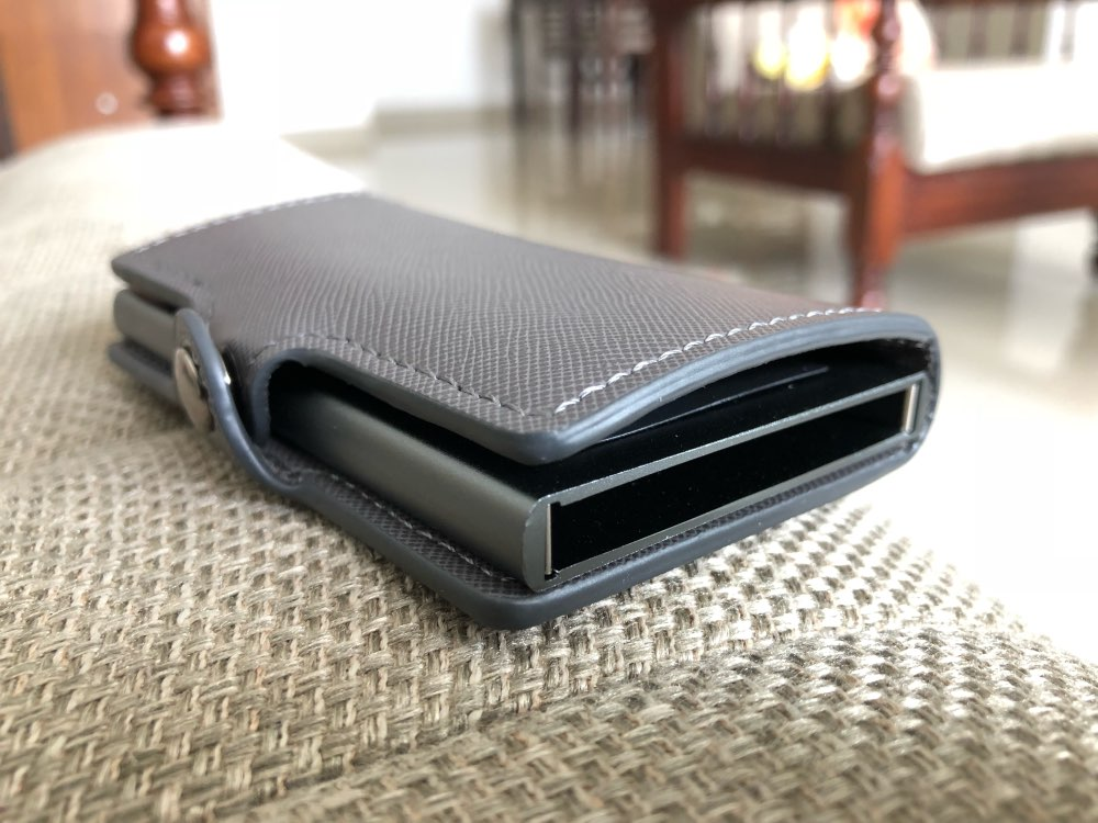 Aluminum Wallet Credit Card Holder Metal with RFID Blocking Slim Stainless Card Case Wallet for Men Women PU Leather Coin Purse photo review