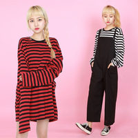 2018 New Black White Red Striped Long Sleeve Korean T Shirt Women Men Loose T shirt Female Fashion Korean Style School Students