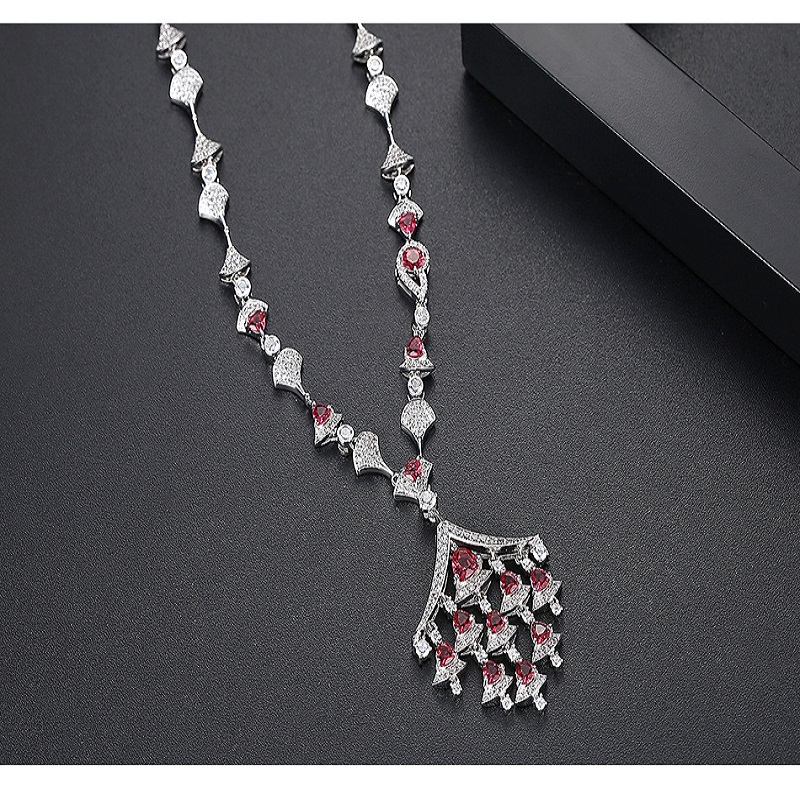 AAA Cubic Zirconia Stone Pave Setting Sector Pendant Pendant Necklace For Women Accessories Saudi Style Dubai