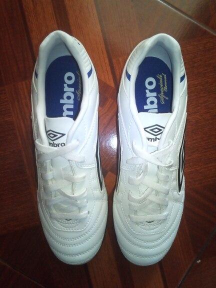 Получила в Москве футбольные кроссовки через 10 дней после заказа. Обувь  очень удобная для игры в футбол. Сын в восторге, сразу побежал на футбол,  ... fae0c268c19