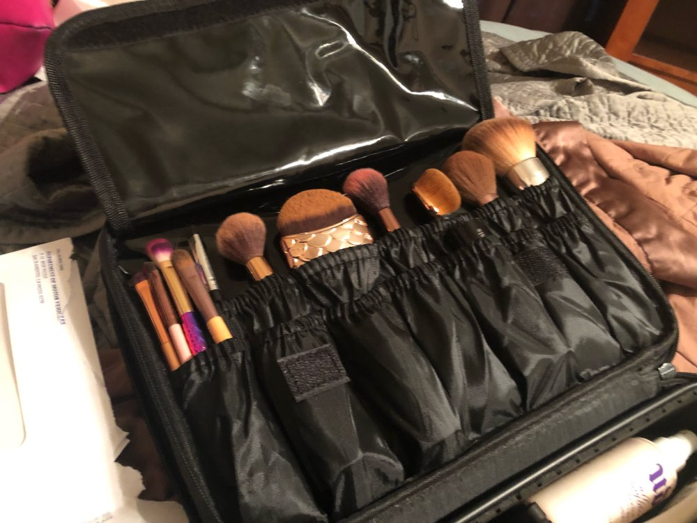 New Fashion Cosmetic Bag Travel Makeup Organizer Cosmetics Pouch Bags High Quality Make Up Bags Professional Cosmetic Makeup Bag photo review