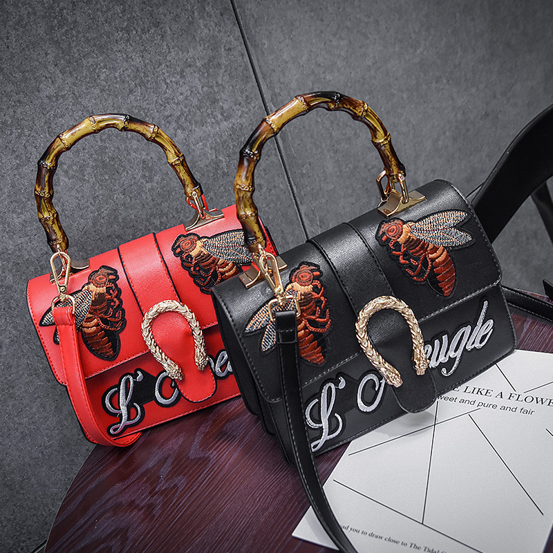 Woman bag 2017 Europe and the United States new ladies bag  shoulder Messenger bag handbags fashion embroidery Female bag the new winter handbags in europe and the tide crocodile grain female bag brand shell package one shoulder inclined shoulder bag