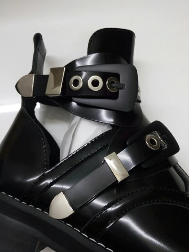 Svonces-2018-Spring-Autumn-Cut-Out-Buckle-Strap-Ankle-Boots-Metal-Decoration-Martens-Women-Shoes-Motorcycle.webp (3)