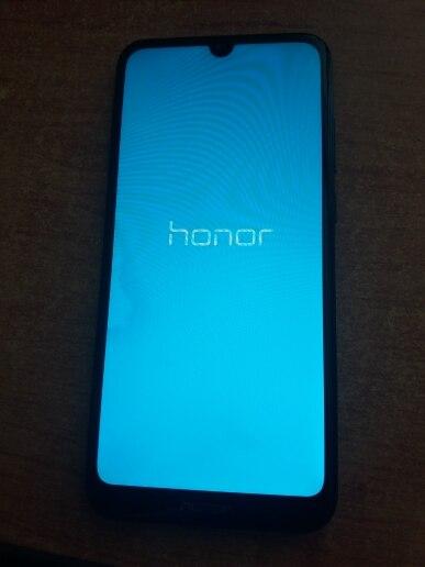 Смартфон Honor 8A Pro 3+64 ГБ.Слот для двух SIM-карт и SD карты.Безрамочный экран