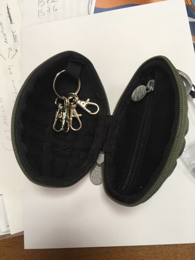 YESO New Arrival PU Men's Key Holder Wallets Unisex Oval Headphone Case Bag Housekeeper For Keys Organizer Purse For Car Key Bag photo review