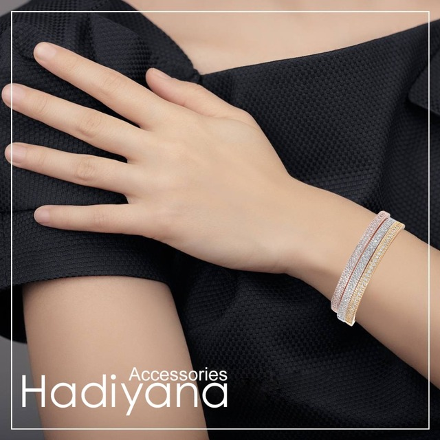 HADIYANA Sparkling Cubic zirconia  Open Size 3-LINE Cuff Bangles gift for Women 2018 Lovely Classic Design Crystal Bangle SZ082