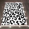 他の黒ホワイトヒョウの毛皮動物 3d 柄プリントマイクロファイバーアンチスリップバックウォッシャブルキリムキッチンエリアラグカーペット