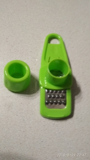 Multi-Purpose Grinding Garlic Tools PP Plastic Mini Ginger Grinder Garlic Grater Cutter Slicer Practical Kitchen Tools Gadgets