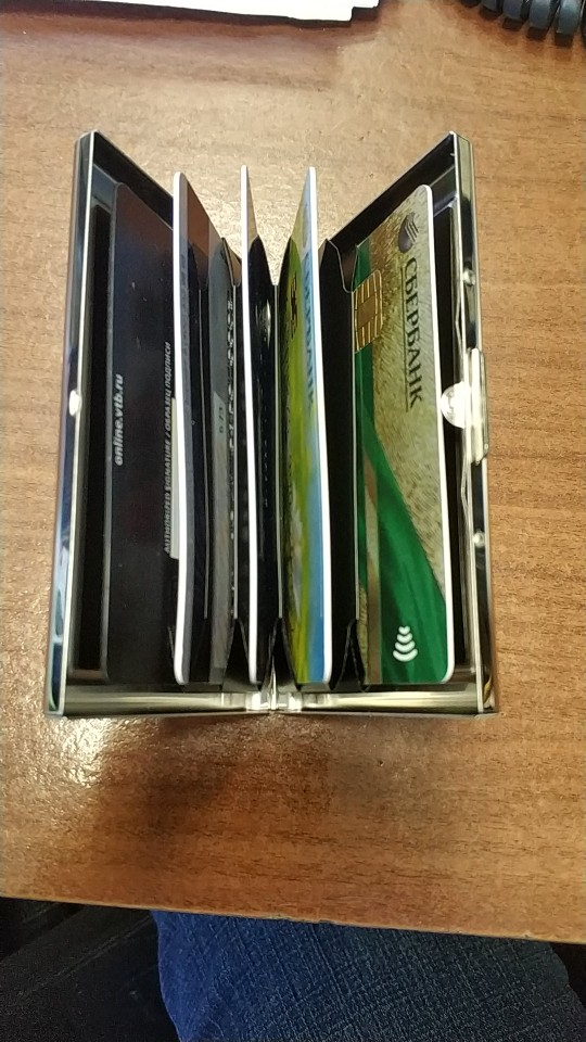 Credit Card Holder Stainless Steel Business Card Case for Men and Women RFID Metal ID Card Holder Wallet photo review