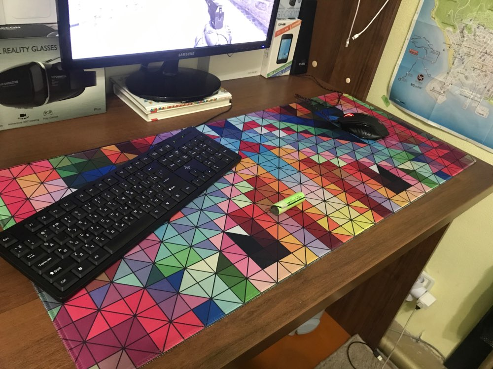 XL Designer Mousepad ? Geometric Particles Edition