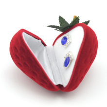Фотография Strawberry Shape Ring Storage Case Jewelry Earrings Protector Flocking Gift Box