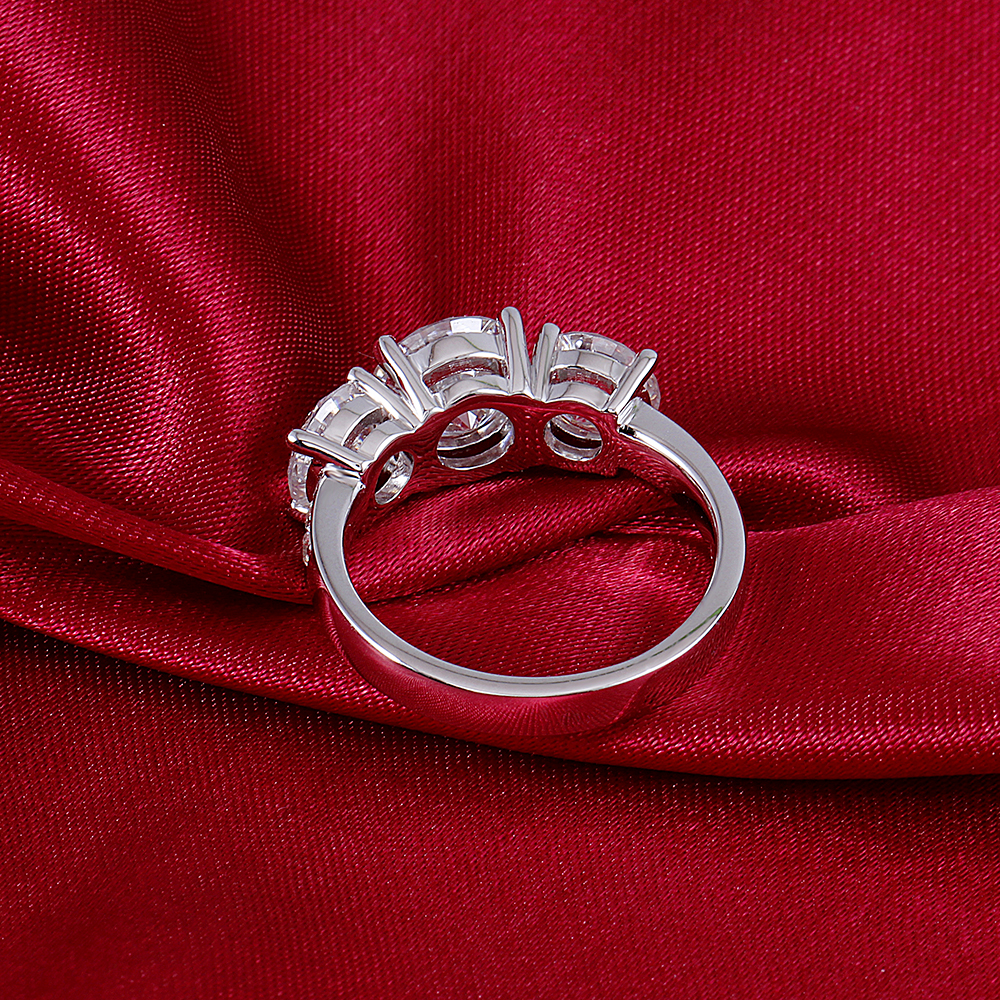 moissanite 3 stone emgagement ring (6)