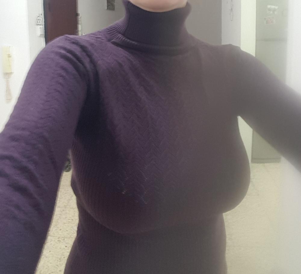 Фото сиськи под свитером — 9