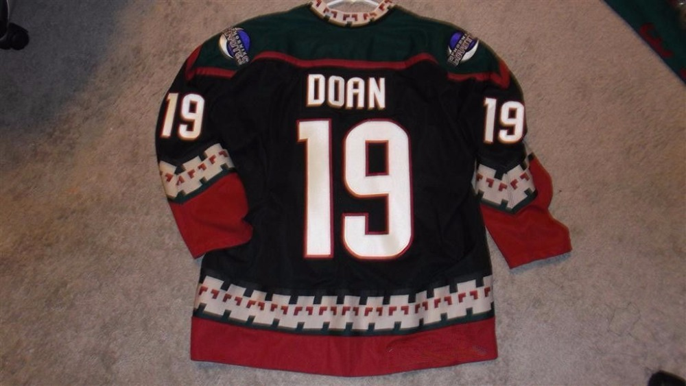 Phoenix Coyotes #19 Shane Doan MENS Hockey Jersey Embroidery Stitched Customize any number and name Jerseys