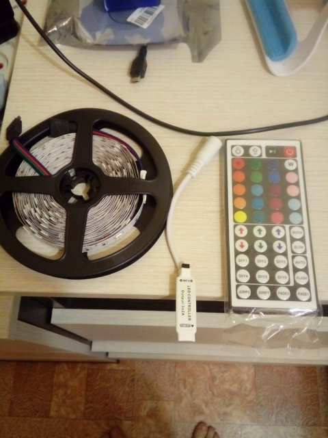 5V 5050 RGB LED strip 5 meters USB cable Controller LED tape RF 17key IR 24 key remote controller
