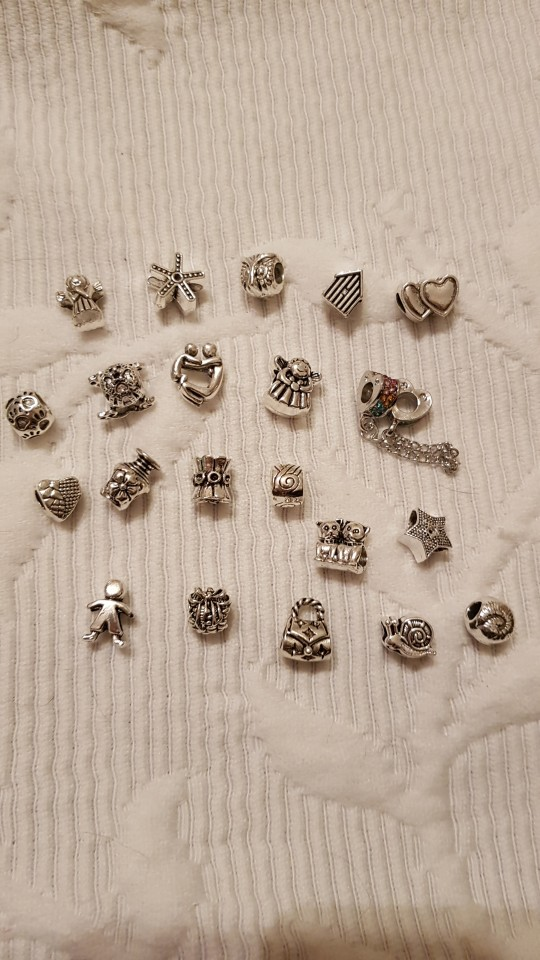 браслет серебро; Бусина материал:: Кристалл; Материал:: Кристалл; Бусина материал:: Кристалл;
