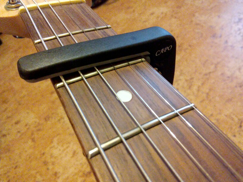 SLOZZ Пластик Capo гитары для 6 струнной акустическая Классический Электрический Guitarra настройки зажим музыкальный инструмент, аксессуары