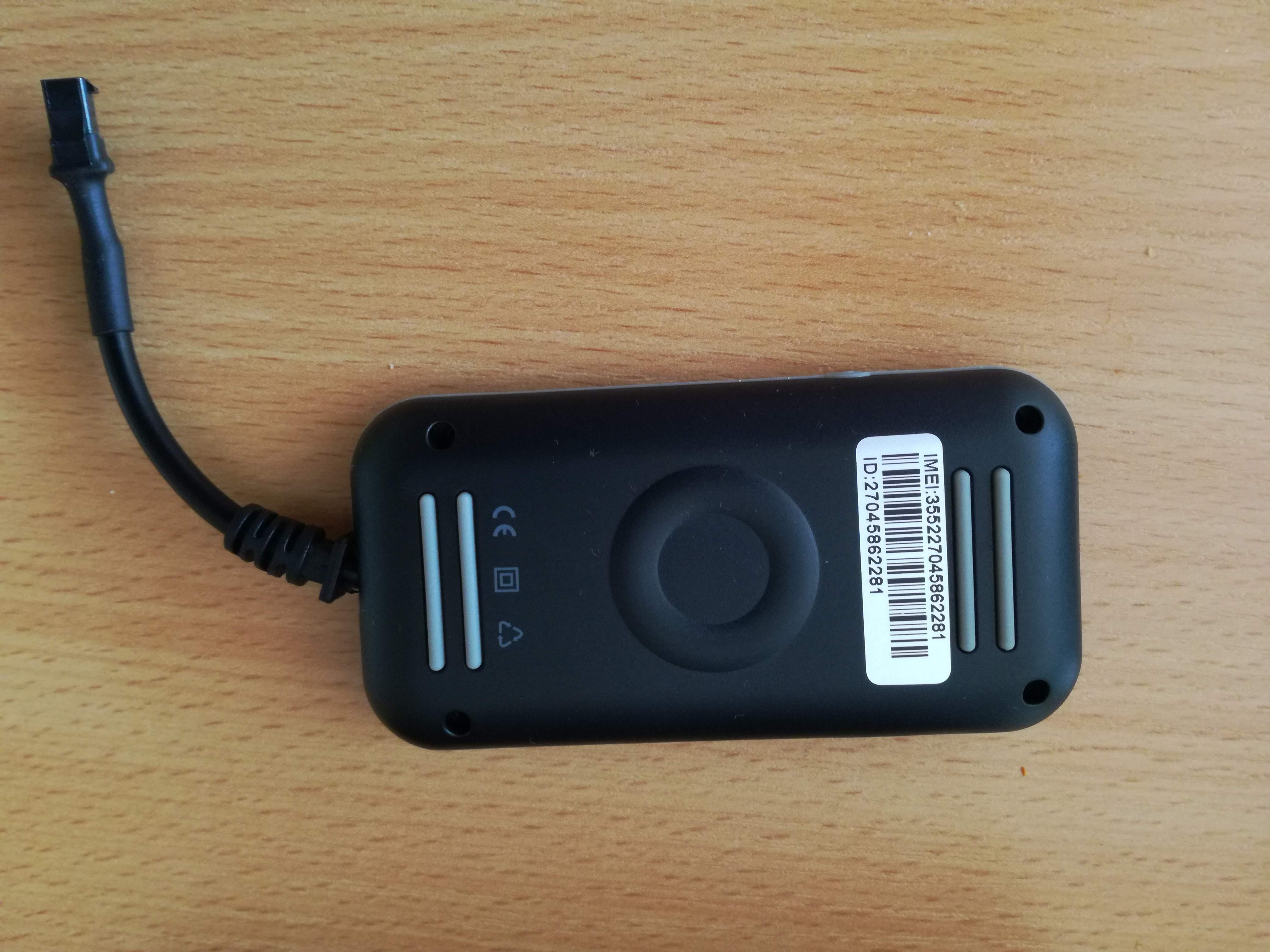 Guaranteed 100% 4 band car GPS tracker GT02A Google link real time tracking free shipping