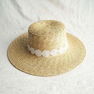Image 2 - שמש כובע לנשים Wide ברים קש מגבעת כובע אלגנטי שחור לבן תחרה שטוח חוף כובע גבירותיי קיץ כובע עבור חופשה כנסיית דרבי