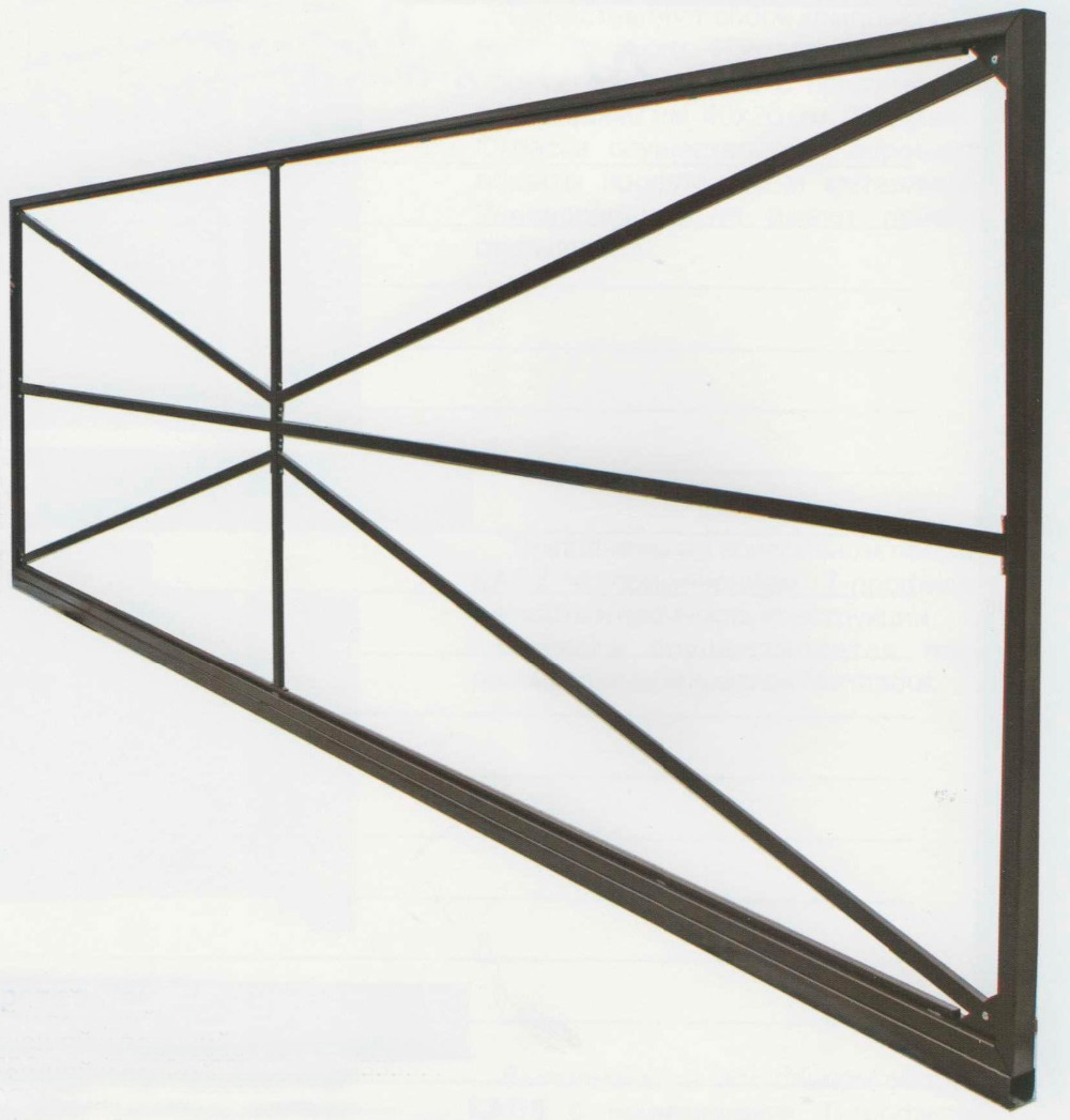 Gate Retractable Combined On A Doorway From 3.5 To 4.5 Meters