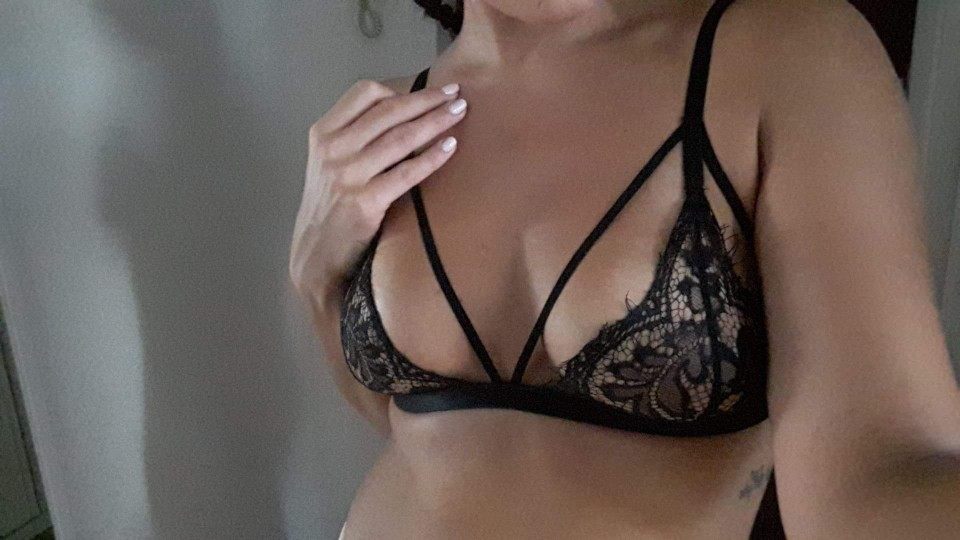 2017 Fashion Women Hot Sexy Lace Floral Hollow Translucent Ultrathin Underwear Camis Sheer Lingerie Bra Tops Short Black Tanks