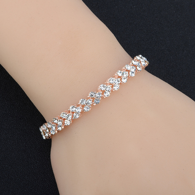 Women Luxurious Roman Crystal Bracelet 4
