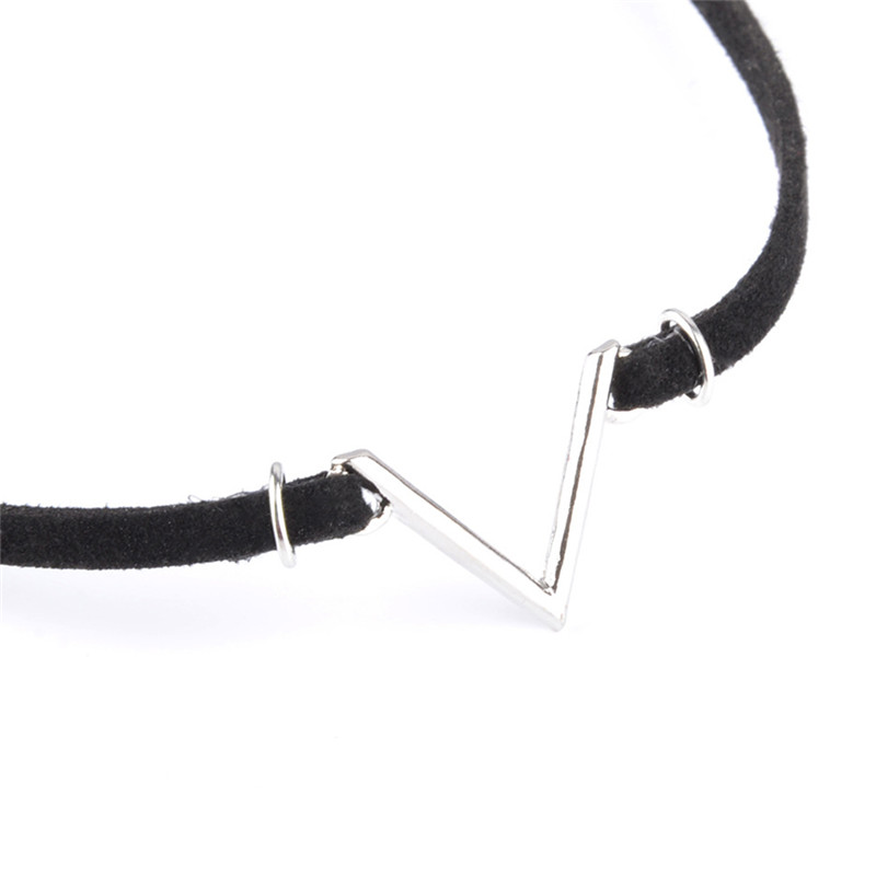 2018 New Fashion V Shape Chokers Necklace Torques Summer Punk Style Black Short Velvet Collar Necklaces For Women
