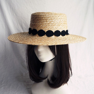 Image 3 - שמש כובע לנשים Wide ברים קש מגבעת כובע אלגנטי שחור לבן תחרה שטוח חוף כובע גבירותיי קיץ כובע עבור חופשה כנסיית דרבי