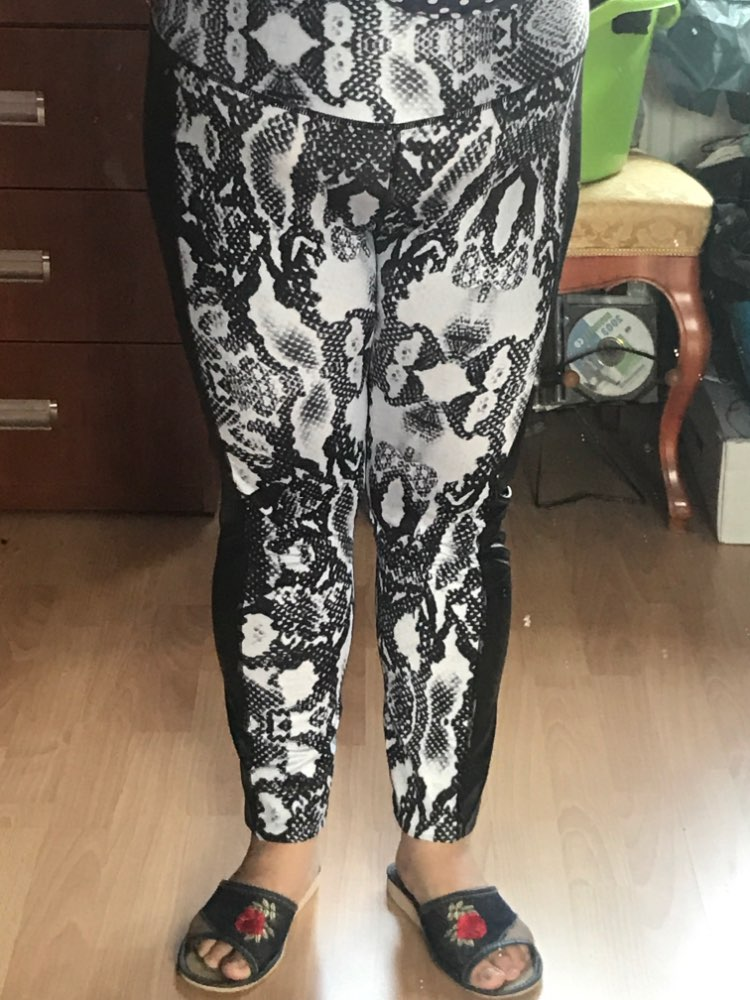 Drop Shipping Women White Snake Printed Leggings Black Pu Leather Patckwork Workout Hot Hip Pleated Leggings photo review