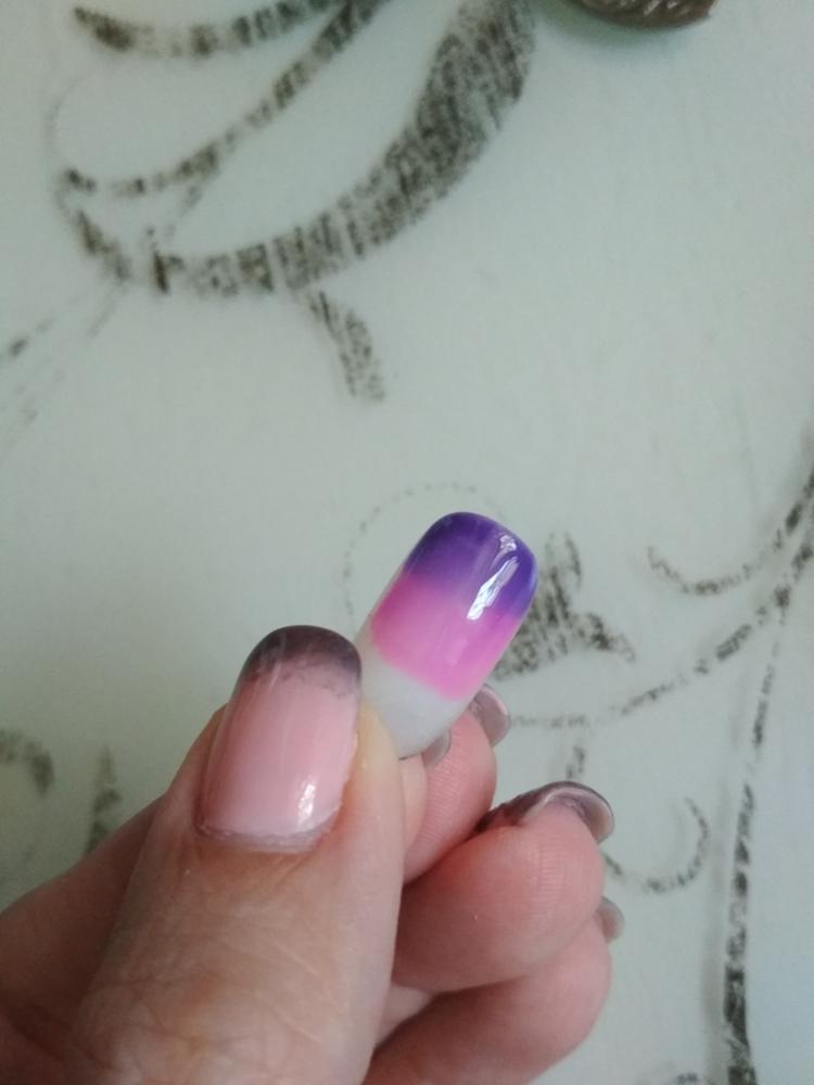 Картинка с ногтями меняющая цвет