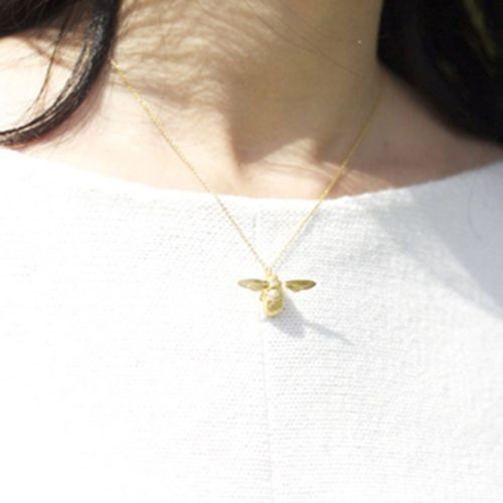 Creative Choker Chain Bee Insect Pendant Necklace Evening Pa