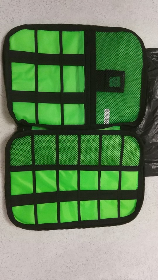 New Electronic Accessories Travel Bag Nylon Mens Travel Organizer For Date Line SD Card USB Cable Digital Device Bag photo review