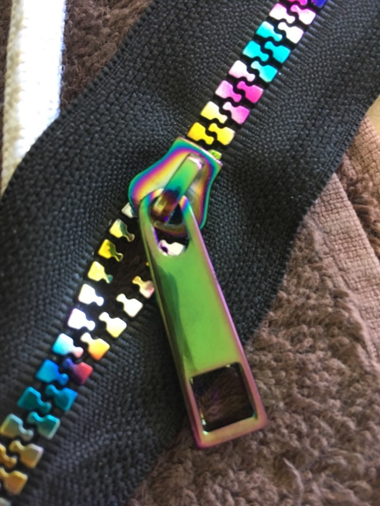 10Yards 5# resin plastic teeth zipper,black fabric No5 plastic Iridescent Rainbow zippers for DIY leather bags,clothing sewing photo review