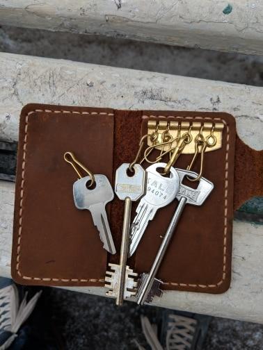 Luxury Handmade Key holder men Genuine Leather key holder Leather key wallet keychain housekeeper women smart key case organizer photo review