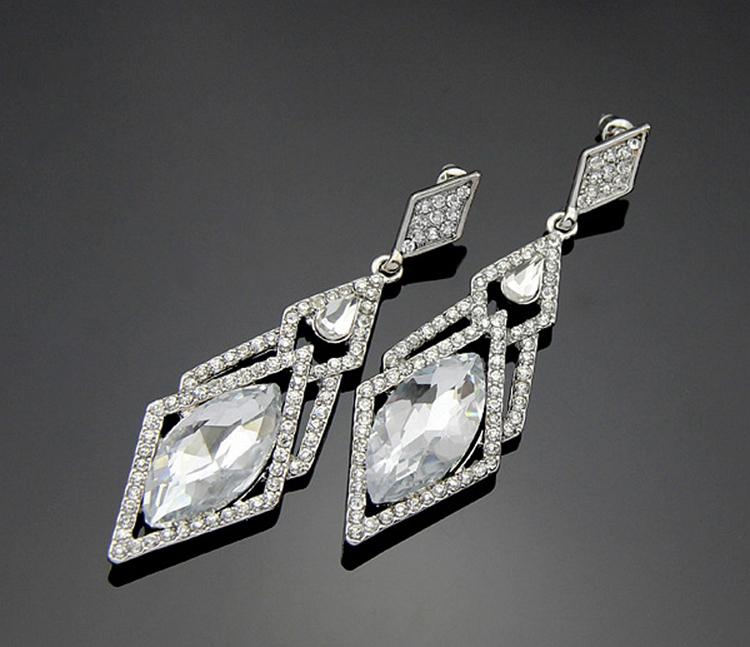 Charming Jewelery Accessories Hypoallergenic Rhinestones Inlaid Woman Earrings Drop Shipping