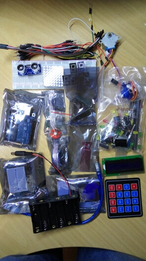 Starter Kit for Arduino Uno R3 - Uno R3 Breadboard and holder Step Motor / Servo /1602 LCD / jumper Wire/ UNO R3