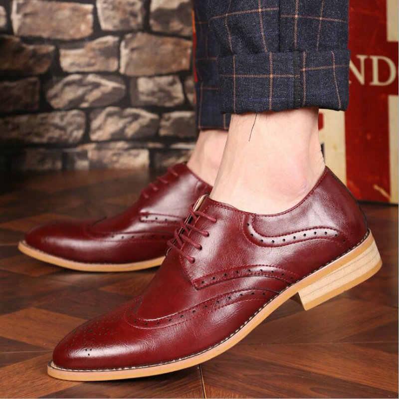 Marka Brogue Kahverengi Kırmızı Siyah Erkek Iş Elbise Ayakkabı Sivri Burun Erkekler Düğün Ayakkabı Deri Resmi Ayakkabı rahat erkekler LE-23