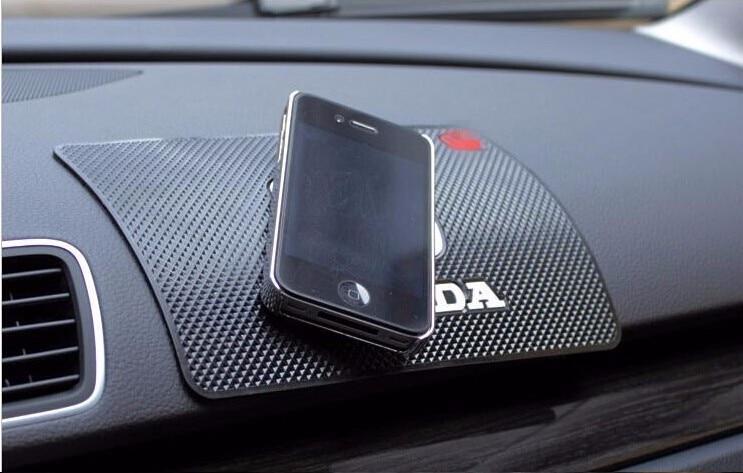 1PCS 19*12cm Car Accessories Slip-resistant Pad Emblem Car Logo Anti-Slip Mat Pad Non Slip Mats For Honda Toyota