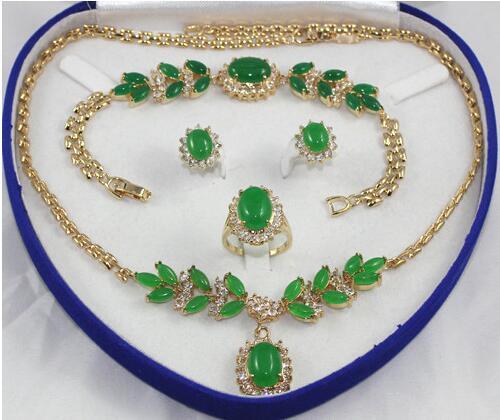 Collier en perles de jades vert clair GP de dame noblaise bracelet boucle d'oreille et bague>>> ensembles de bijoux pour filles livraison gratuite