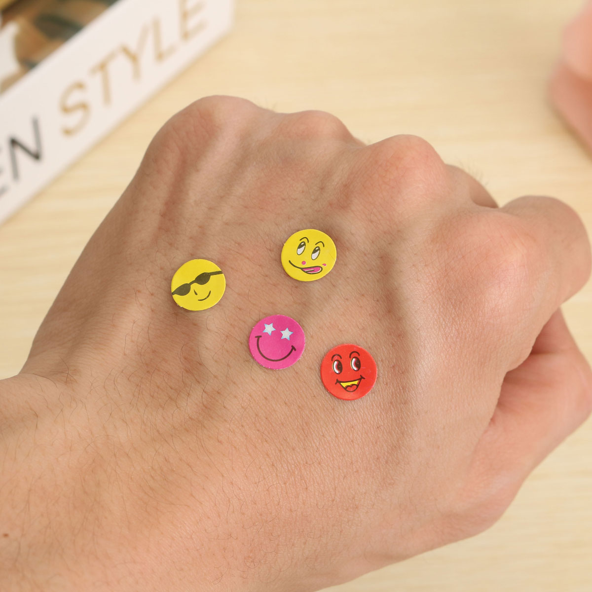 10 Sheets Best Price Mixed Color Lovely Smiley Faces Stickers Childrens School Teacher Useful Gift Reward Well Done Stickers