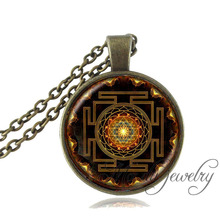 Drop shipping Fashion Buddhist Sri Yantra Pendant Necklace Sacred Geometry Sri Yantra Jewelry Jewelry wholesale