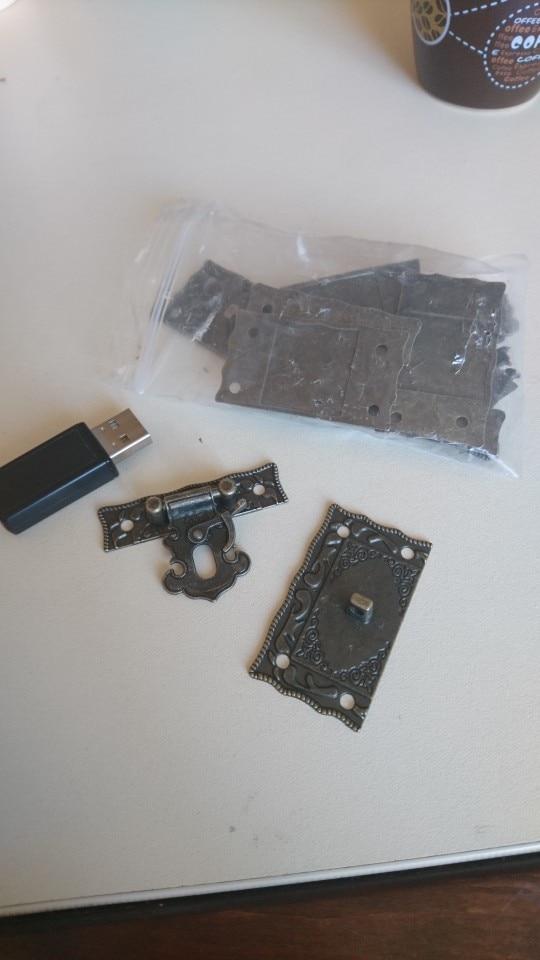 AEQUEEN 5.1×2.9cm Bronze Lock Box Replacement Buckles Tone DIY Bag Twist Lock Clasp Turn Lock Closure Hasp with Screws 5pcs/Sets photo review
