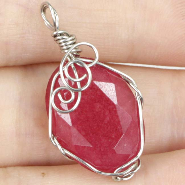 Handamde Real Oval Red Ruby Wire Wrap Womans Silver SheCrown Pendant 27x15mmHandamde Real Oval Red Ruby Wire Wrap Womans Silver SheCrown Pendant 27x15mm