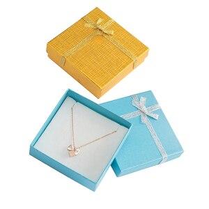 Image 5 - Modne pudełko na naszyjnik 9x9x2.5 cm kartonowe pudełko na biżuterię na bransoletkę kolczyki opakowanie na pierścionek z białą gąbką