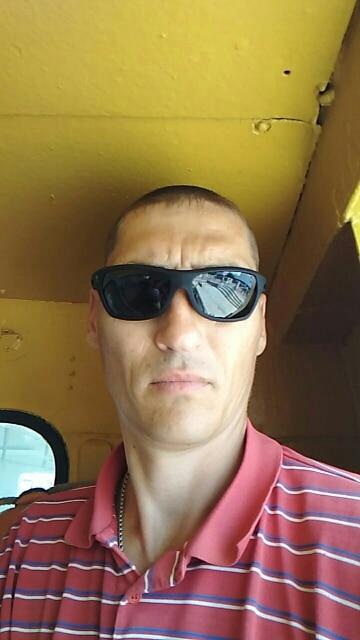 2018  Men Polarized Sunglasses Outdoor Sport Goggles Men's Polarizing Glasses High Quality Lower Price Eyewear BK0001
