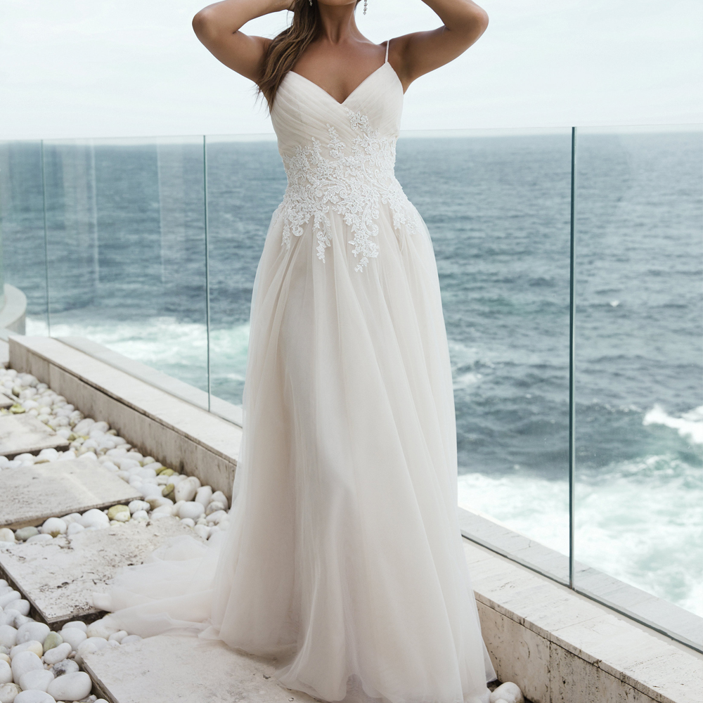 Simple Wedding Dresses Open Back: 2019 Beach Wedding Dress Spaghetti Straps Lace Bodice