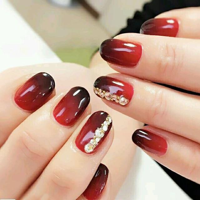 Ongle en gel rouge noir - Vernis a ongle noir ...